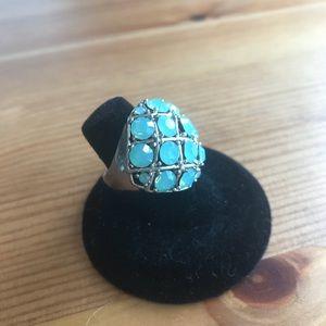 Fun Fashion Ring with Iridescent Aqua stones. Sz 7